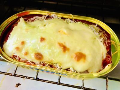 少し焼き目がつく程度に。チーズでキャベツが蒸し焼きになってしんなり。