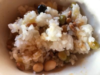 納豆が好きなので、蒸しサラダ豆と混ぜたり。豆三昧!